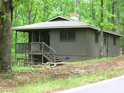 a rental cabin at Red Top Mountain State Park